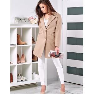 Elegantný béžový kabát v klasickom strihu pre dámy