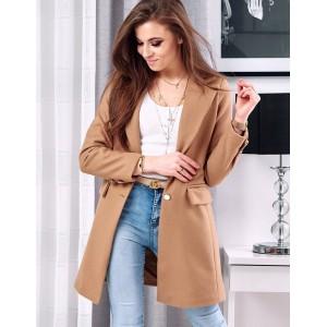 Elegantný dámsky kabát hnedej farby v klasickom strihu
