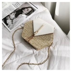Pletená kabelka dámska v bielej farbe na rameno