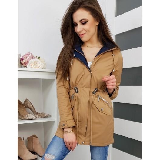 Béžová prechodná bunda s kapucňou a zapínaním na zips a cvoky