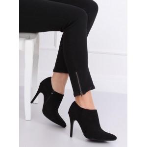 Dámske kotníkové topánky na jar v čiernej farbe