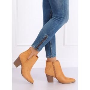 Trendy dámske kotníkové čižmy v krásnej hnedej camel farbe