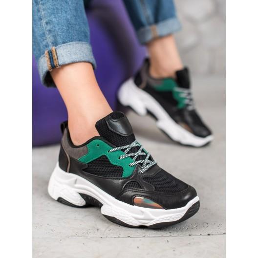 Čierna moderná športová obuv na platforme