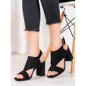 Štýlové dámske sandále na vysokom podpätku v čiernej farbe