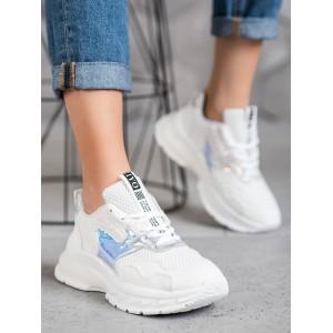 Moderné dámske tenisky na šnúrovanie v bielej farbe