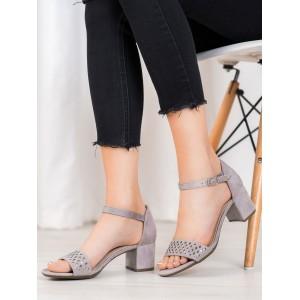 Dámske sandále v sivej farbe so zapínaním na remienok