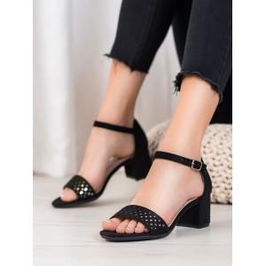 Dámske sandále na nízkom podpätku v čiernej farbe