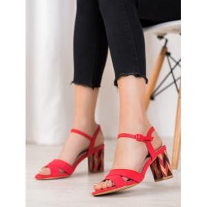 Červené dámske sandále na hrubom podpätku