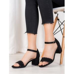 Semišové dámske sandále na nízkom podpätku