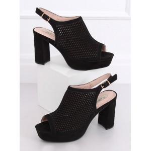 Letné dámske dierkované sandále v čiernej farbe