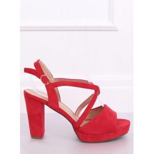 Moderné dámske sandále na platforme v červenej farbe