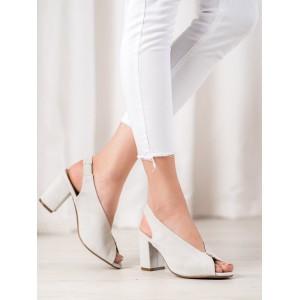 Dámske semišové sandále na hrubom podpätku