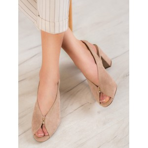 Moderné dámske sandále v hnedej farbe na podpätku