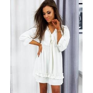 Ľahké a vzdušné biele šaty s trojštvrťovým rukávom