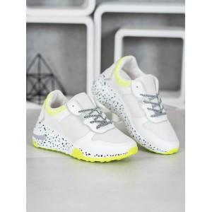 Moderná dámska športová obuv bielej farby