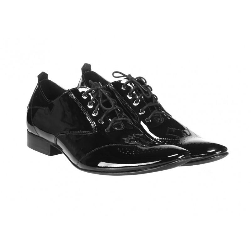 3205833c6db24 Elegantné pánske kožené lakované topánky čiernej farby COMODOESANO ...