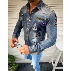 Trendová modrá rifľová košeľa s módnymi nášivkami