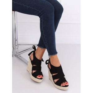 Čierne dámske semišové sandále na platforme