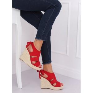 Dámske sandále na platforme v červenej farbe