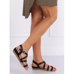 Nízke dámske sandále na leto v čiernej farbe