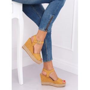 Vysoké dámske semišové sandále v žltej farbe