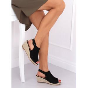 Moderné dámske sandále na leto v čiernej farbe