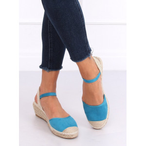 Pletené dámske sandále na platforme v modrej farbe