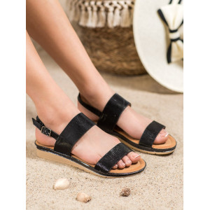Originálne dámske letné sandále na nízkom podpätku v čiernej farbe