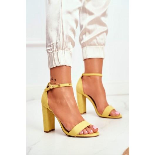 Letné dámske žlté semišové sandále na vysokom opätku