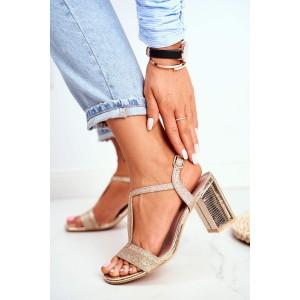 Krásne dámske zlaté spoločenské sandále na módnom opätku