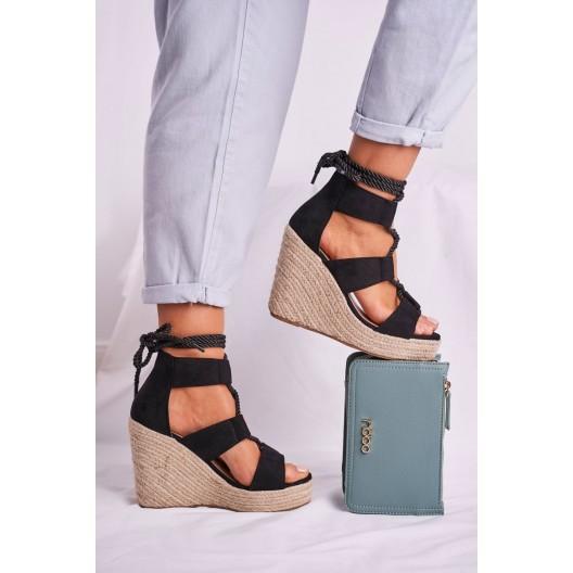Štýlové dámske čierne sandále na paltfome a módnym viazaním