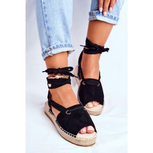 Pohodlné dámske čierne dámske sandále na nízkej platforme
