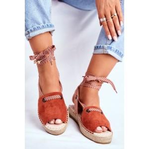 Trendy dámske oranžové sandále na pletencovej platforme