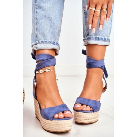 Krásne dámske modré sandále na pletencovej platforme