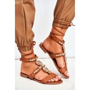 Dámske hnedé sandále s ozdobnými kamenienkami