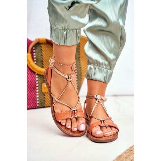 Dámske oranžové sandále so zlatým asymentrickým prekrížením