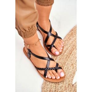 Dámske nízke čierne sandále s asymetrickým prekrížením