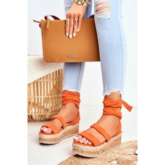 Oranžové dámske sandále na korkovej platforme s pletencom