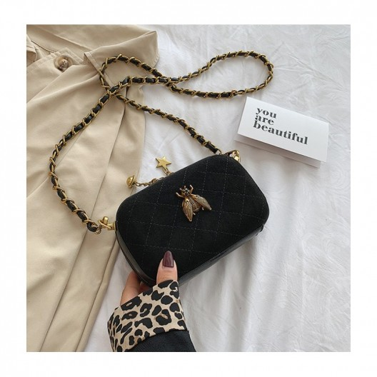 Moderná dámska čierna crossbody kabelka so včelou