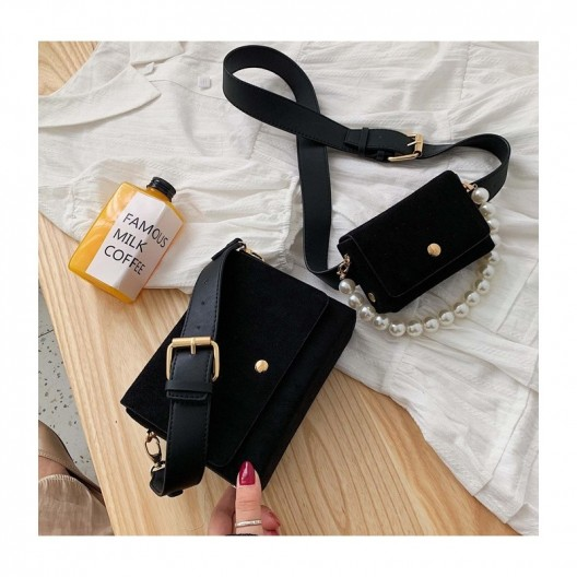Trendy dámska čierna crossbody kabelka s perleťovou rúčkou