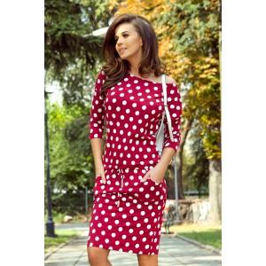 Štýlové dámske červené šaty s bodkovanou potlačou a vreckami