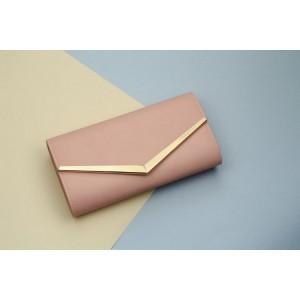 Dámska ružová listová kabelka so zlatým kovaním a retiazkov