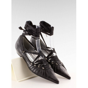 Čierne dámske baleríny s ostrou špičkou