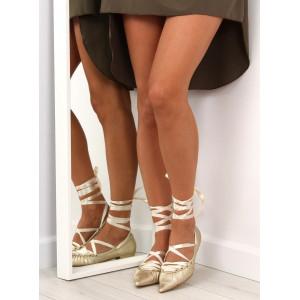 Zlaté dámske baleríny s viazaním okolo nohy