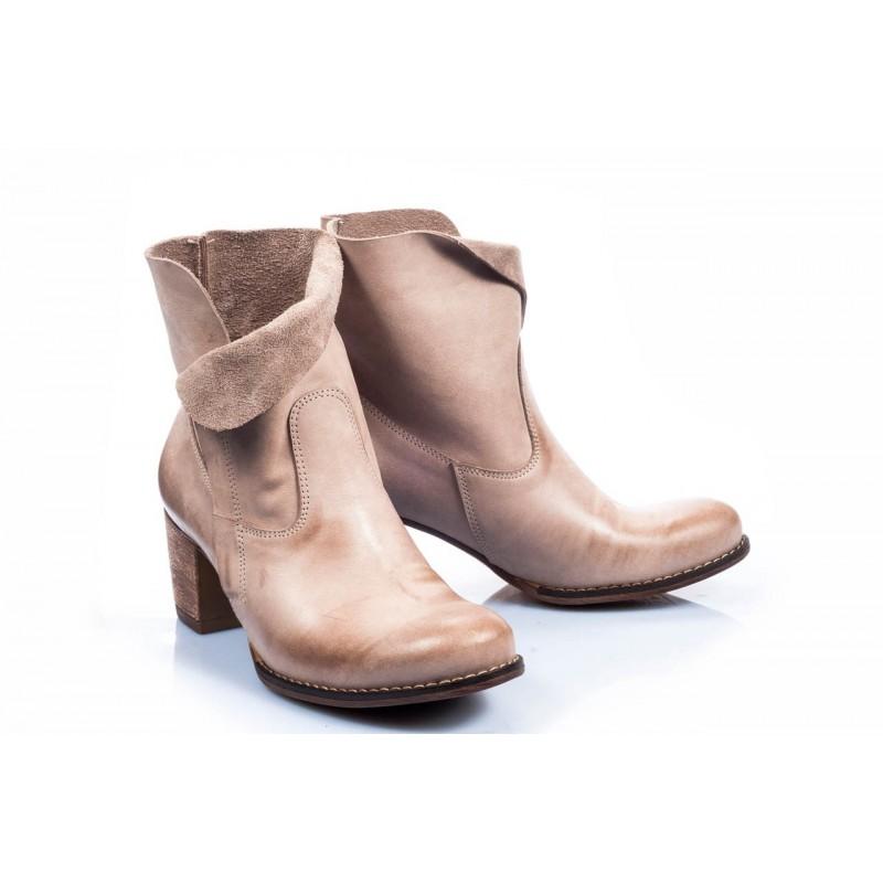 1e7ea125d4ed Predchádzajúci. Kožené topánky pre dámy béžovej farby ...