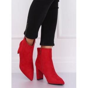 Červené členkové topánky s ostrou špičkou
