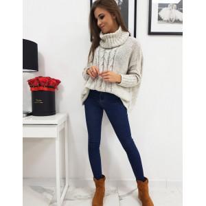 Krásny oversize dámsky béžový pletený sveter s rolákom