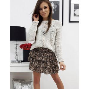 Svetlo béžový dámsky pletený sveter s osmičkovým vzorom