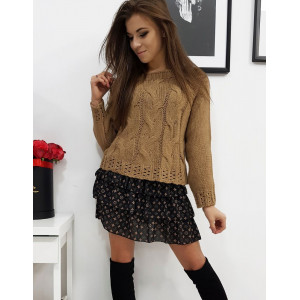 Krásny dámsky hnedý pletený sveter krátkeho strihu