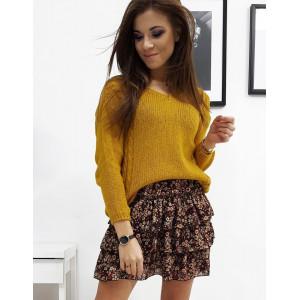 Štýlový dámsky žltý pletený sveter na jeseň